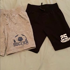 Boys 4t shorts bundle . Sports
